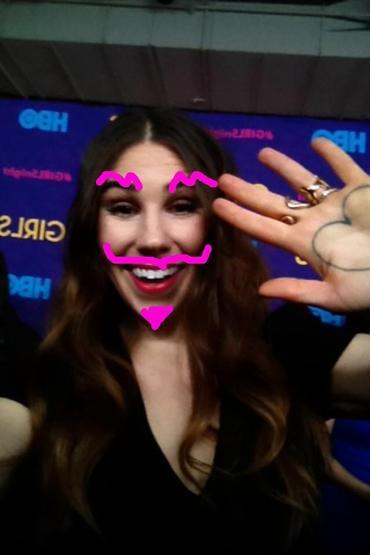 Zosia_Mamet_Red_Carpet_Snapchat_Selfie