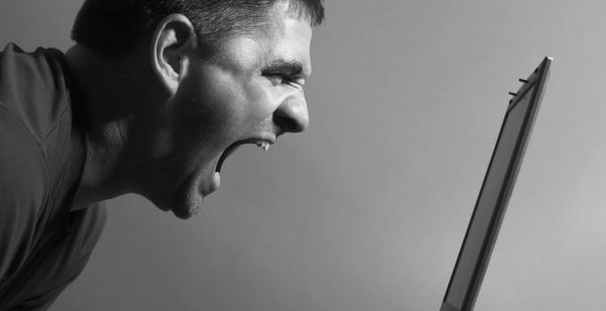 Cómo responder a los comentarios negativos en redes sociales